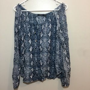 Arm & Co Open Arm Sleeve Blouse Size Small